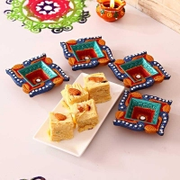 Set of 4 Diyas with Soan Papdi